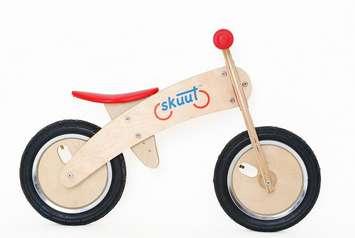 Skuut Wooden Balance Bike™ picture