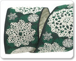 "1 1/2"" Lacy Snow Flakes in Green"