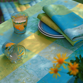 "Mille Alcees Narcisse Tablecloth 71""x118"", 100% Cotton"