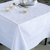 "Eloise Diamant Tablecloth 96""x125"", Green Sweet"