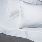 Bordeaux 320TC Queen Sheet Set