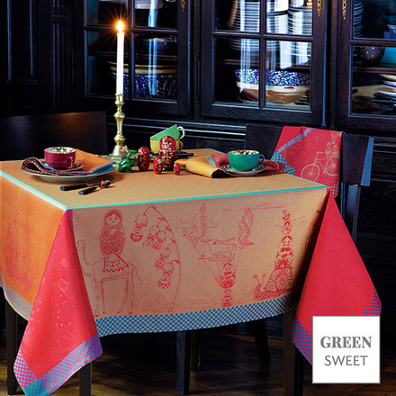 "Matriochkas Oural Tablecloth 61""x61"", Green Sweet picture"
