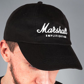 LOW PROFILE CAP WITH WHITE SCRIPT LOGO
