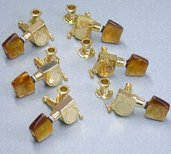 5AMH18J- Machine Head Set- Acoustic Guitar- Angled (Gold w/ Brown Button- 6mm Shaft/10mm Sleeve)