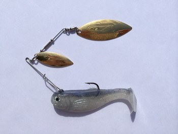 "4"" Crashing Thunder / Double Willow #500 SHAD / Gold blade picture"