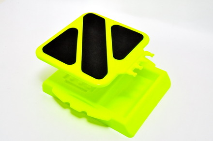 84126Y CAR STAND, YELLOW picture