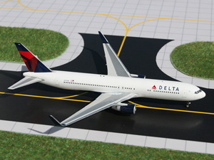 Delta B767-300(W) w/ Winglets picture