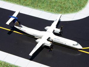 GeminiJets 1:400 United Express Q400 picture