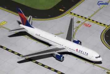 GeminiJets 1:400 Delta Air Lines 767-300 picture