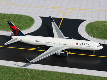 GeminiJets 1:400 Delta 767-300(W) picture
