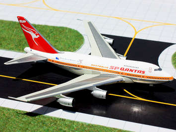 "GeminiJets 1:400 Qantas 747SP ""Commonwealth Games"" picture"
