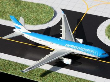 GeminiJets 1:400 Aerolineas Argentinas A330-200 picture