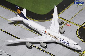 """GeminiJets 1:400 Lufthansa 747-8i """"Siegerflieger 2"""" picture"""
