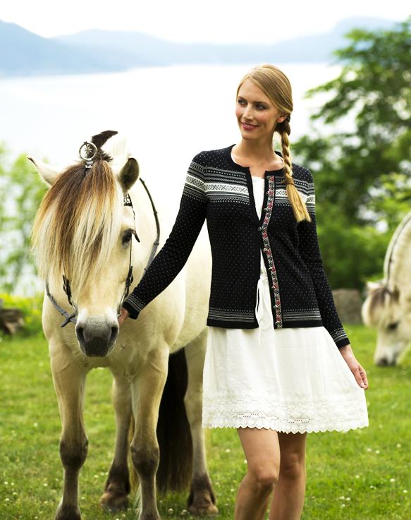 Hedda Feminine Jacket (1)