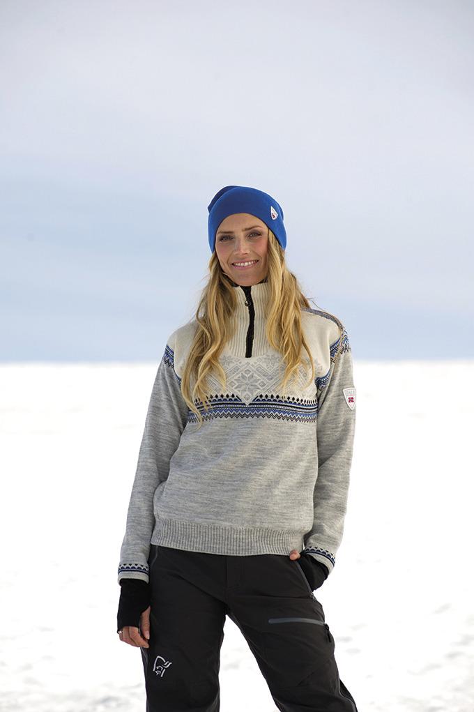 Glittertind Weatherproof Feminine Sweater (1)