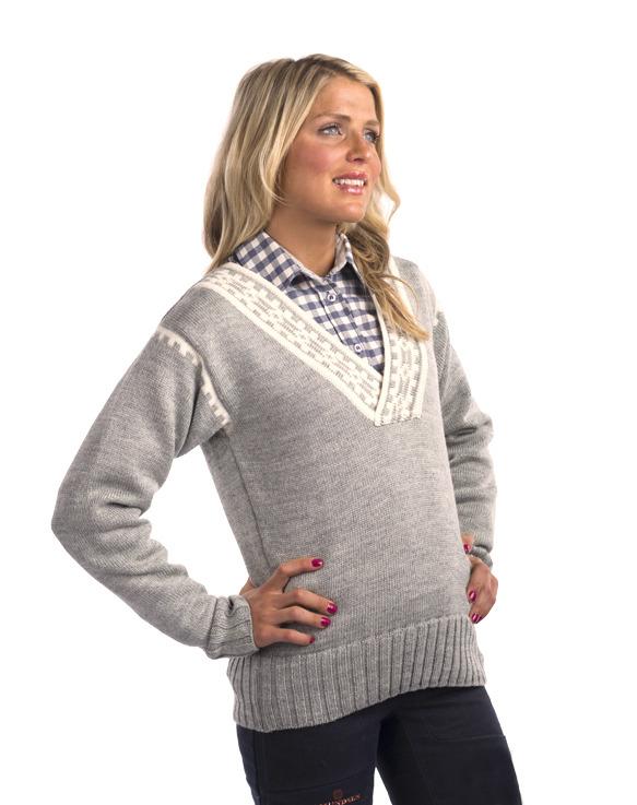 Alpina Feminine Sweater (2)