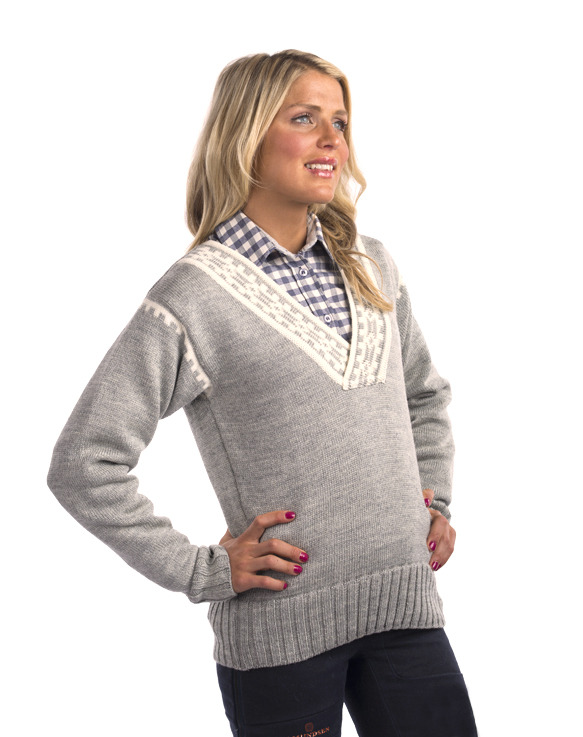 Alpina Feminine Sweater (2)