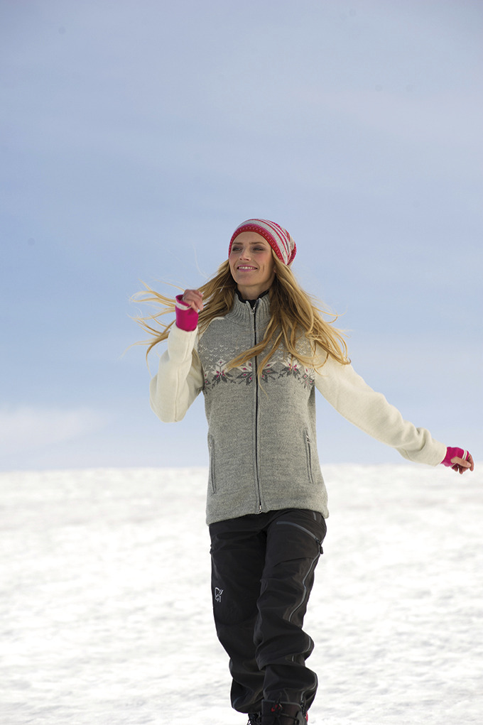Snetind Feminine Weatherproof Jacket (2)