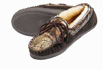 Realtree AP/Brown Slipper picture