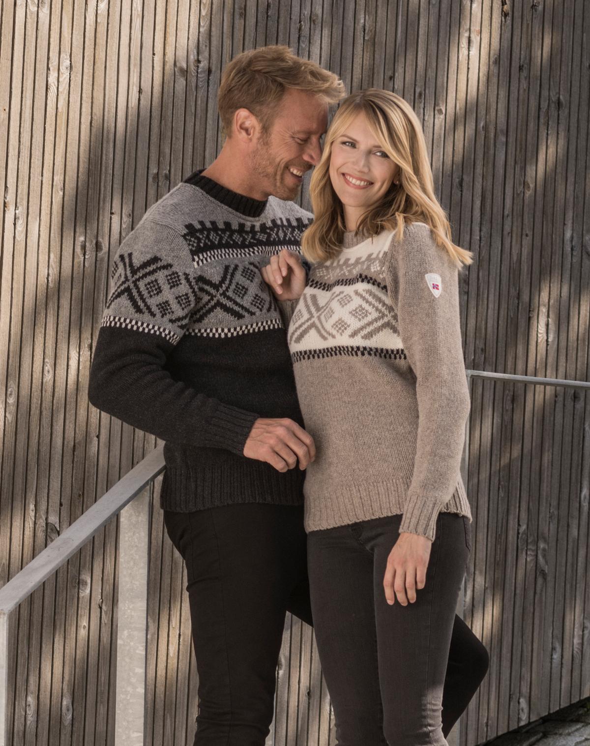 Skigard women's sweater (1)