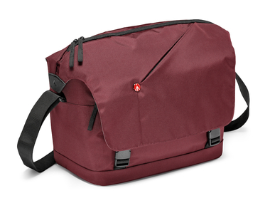 Bordeaux Messenger Bag for DSLR with add. lens and personals