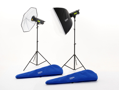 Lumen8 Kit F400 + 2 Stands, 1 Umbrella & 1 Softbox UK