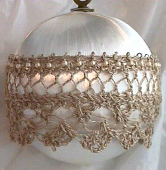 Antique Satin and Lace Ornament e-Pattern picture
