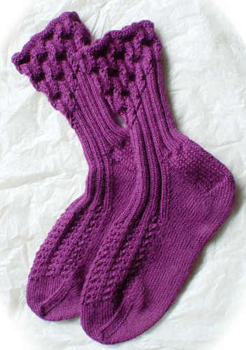 Eyelet Ankle-Ribbed Socks Pattern picture
