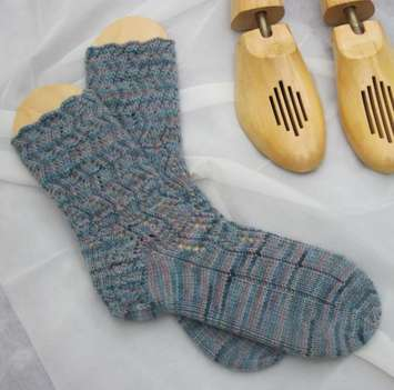 Errant Ankles Lace Socks e-Pattern picture