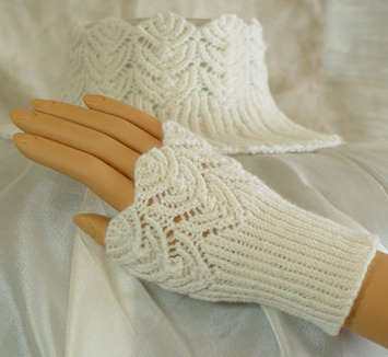 Filigree Lace Ensembles Pattern (4 projects: Hat, Neck and Wrist Warmers) picture