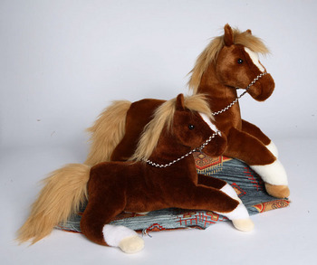 WALNUT CHESTNUT HORSE picture