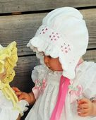CH8 Valerie & Friend - Baby bonnet with ruffle