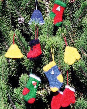 FT210 Felt Christmas Ornaments picture