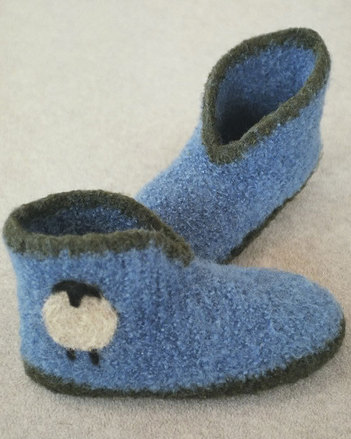 AC67 Crocheted Felt Boot Slippers picture