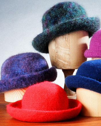 AC11 Crocheted Felt Hat - in worsted weight picture