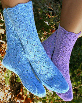 AC77 Lupine Lace Socks - in two sizes picture