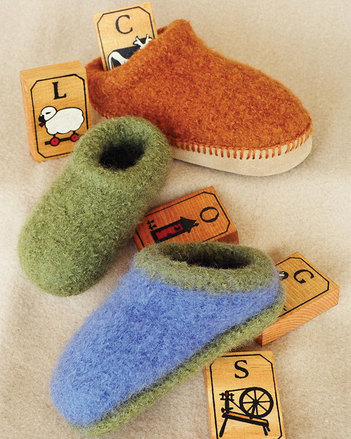 CH38 Children's Felt Clogs - in 5 sizes picture
