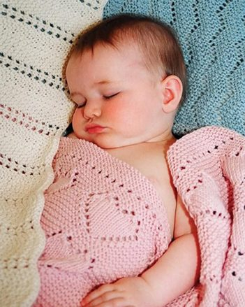 CH24e Easy Knit Baby Blankets - Collection II - PDF picture