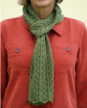 P061 - Leaf Lace Scarf picture