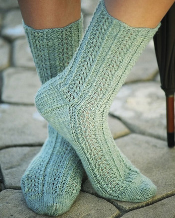AC52 Raindrop Lace Socks - with scalloped top picture