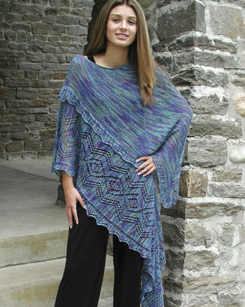 S2013 Bella - A shawl with the ease of a poncho picture