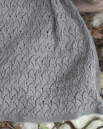 P025 - Hidden Cable Shawl picture