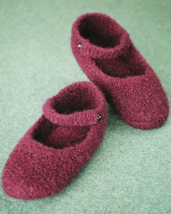 AC66 Crocheted Felt Ballet Slippers picture