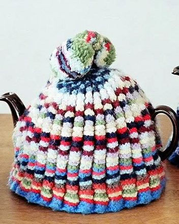 FT214 Nanny Meiers Tea Cosy picture