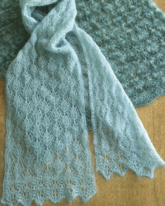 EASY LACE SCARVES /& WRAPS to KNIT in 3 SIZES in FINGERING WT YARN FIBER TRENDS