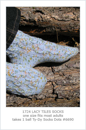 1724 Lacy Tiles Socks picture