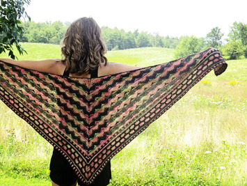 2182 Heartbeat Shawl picture