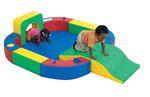 Anneau d'activités avec tunnel et glissade The Children's Factory®