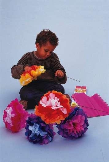 Trousse de fleurs de papier (7 fleurs) Image