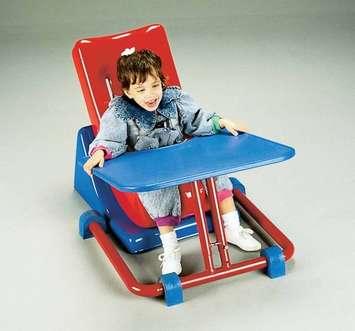 Plateau pour siège Feeder Seat de Tumble Forms Image